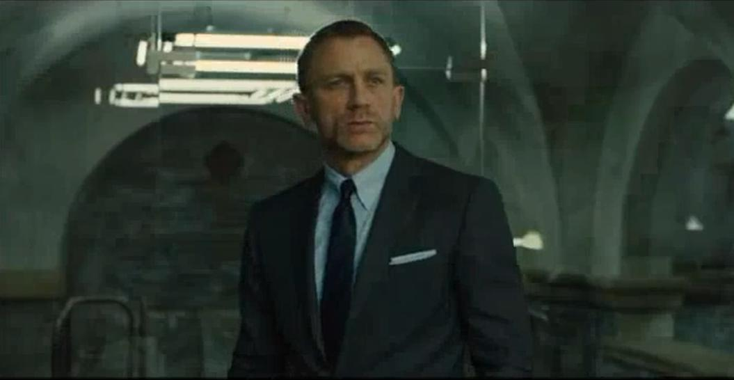 https://movieevangelist.files.wordpress.com/2012/10/daniel-craig-skyfall-beard.jpg
