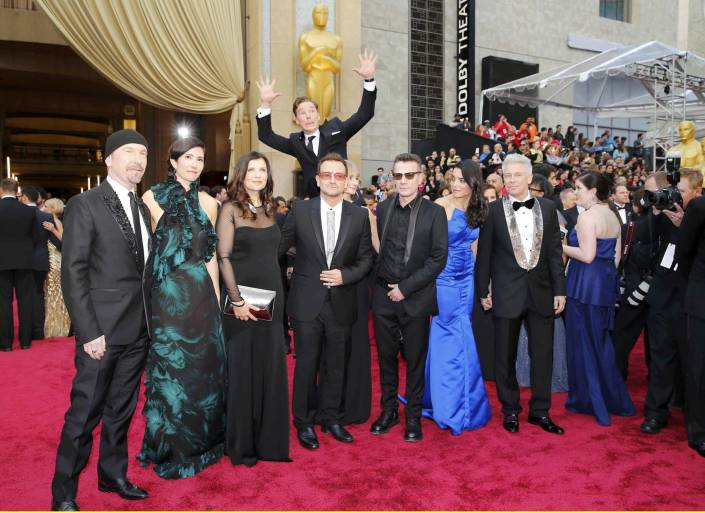 cumberbatch-photobomb